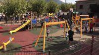 La Adrada disfruta ya de un nuevo parque infantil de categoria