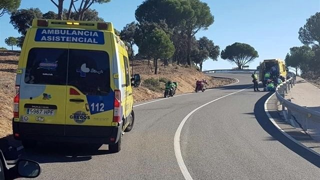 Dos motoristas de 26 y 27 años resultan heridos en un accidente de tráfico en Cebreros (Ávila)