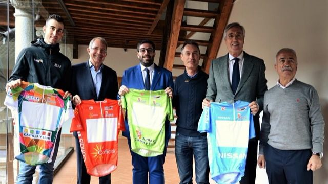 Diputación de Ávila apoya la última etapa de la Vuelta Ciclista a Castilla y León, que rinde homenaje al Año Jubilar