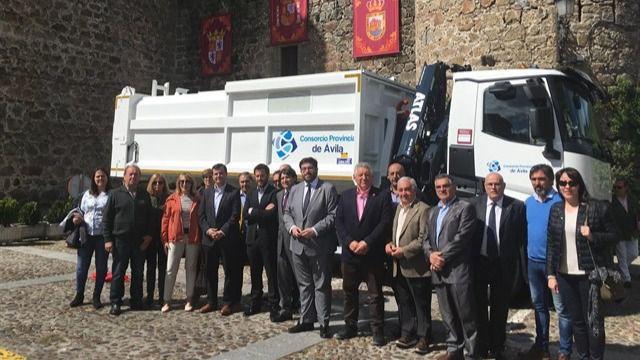 Nuevo camión de recogida selectiva para el Consorcio Valle del Tiétar, en el sur de la provincia de Ávila