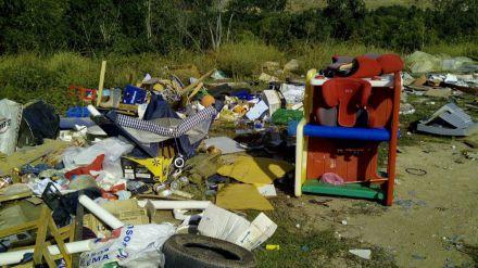 Carlos López: 'Cs propone la creación de un Punto Limpio en Hoyocasero para evitar el uso de un vertedero ilegal'
