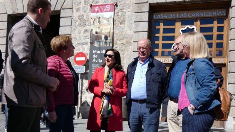 Margarita Robles se muestra orgullosa de poder defender los intereses de Ávila