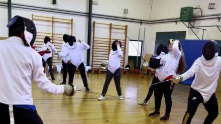 Casi 200 niños compiten entre Naturávila y Navaluenga en la Jornada de Juegos Escolares