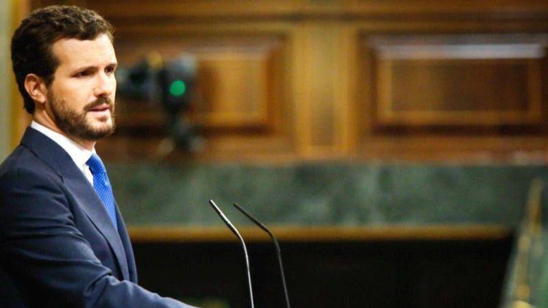 """Casado acusa a Sánchez de 'mantenerse en el Gobierno al precio de cambiar el régimen"""""""