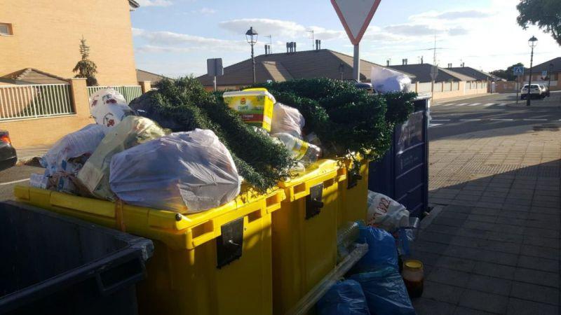EL Ayuntamiento pide a los abulenses que depositen la basura dentro de los contenedores