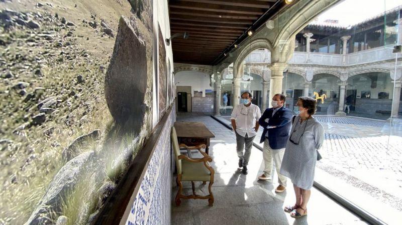32 piedras sagradas abulenses se reúnen en el Torreón de los Guzmanes