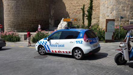 Galardonados con la Medalla de Plata al Mérito de la Policía Local tres agentes de Ávila