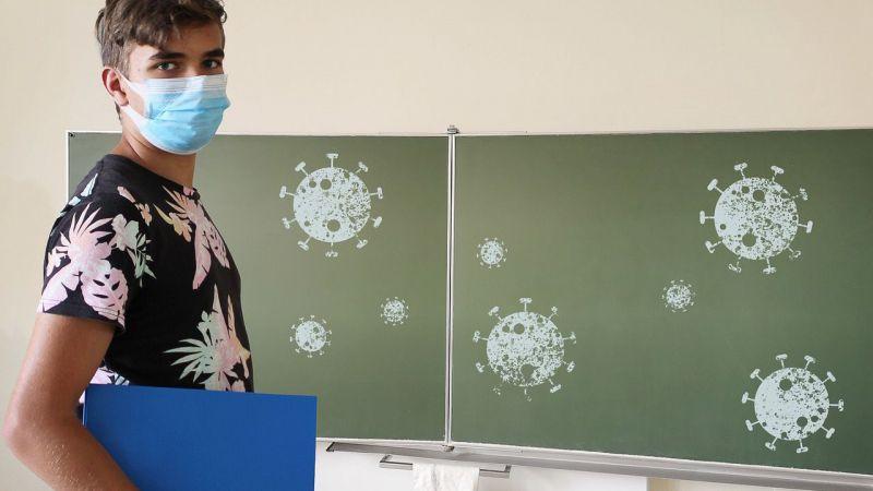 Empiezan a llegar los primeros medidores de CO2 a las aulas