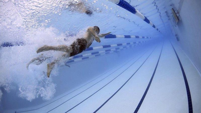 La piscina cubierta del Manuel Sánchez Granado abre sus puertas en horario ininterrumpido
