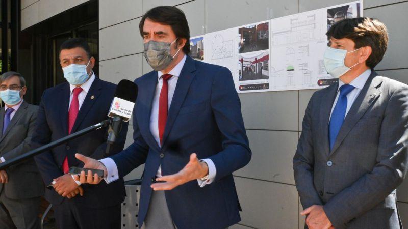 Suárez-Quiñones visita la estación de autobuses de Arenas de San Pedro