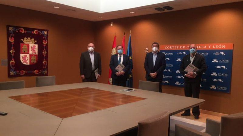 Por Ávila se reúne con representantes de FSIE para tratar la situación de la enseñanza concertada