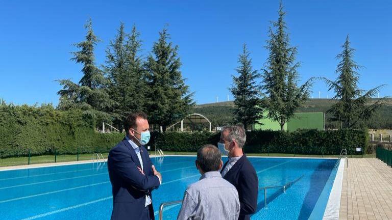 La Junta impulsa la modernización de la piscina de verano de Las Navas del Marqués