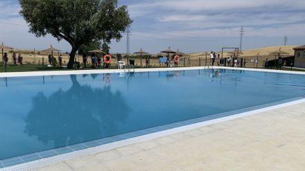 Santa María del Cubillo estrena piscina