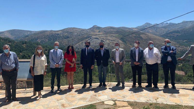 Suárez-Quiñones anuncia un incremento de las ayudas a municipios de espacios naturales en su visita a Gredos