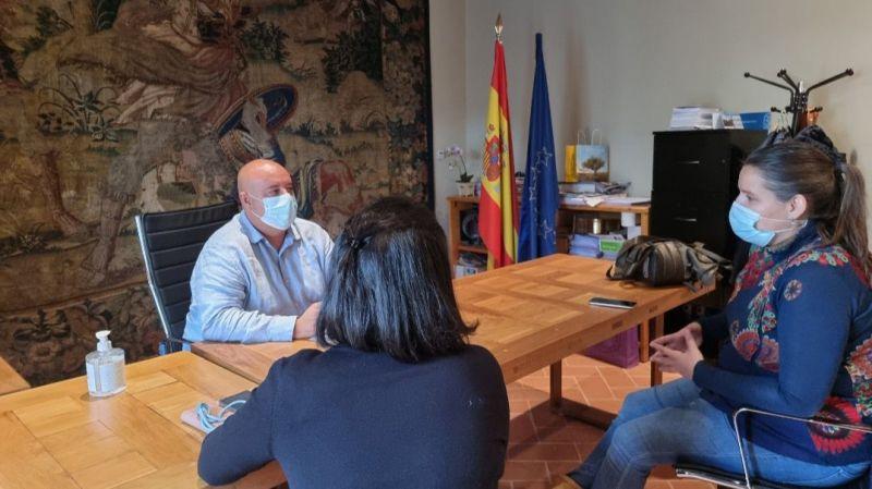 Ciudadanos consulta la situación de la Escuela de Música de Ávila con sus responsables