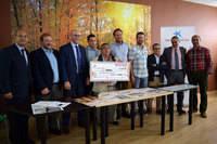 La Asociación Juvenil Barrio de Las Hervencias entrega 6.288 euros a PRONISA