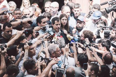 Los venezolanos ya votaron, con los pies