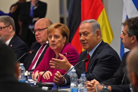 Mientras Angela Merkel anuncia su retiro, Netanyahu responde… soy incombustible